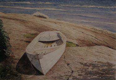 boat_on_rocks